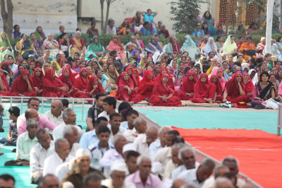 Thousands of disciples from around the world celebrate
