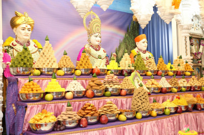 A magnificent annakut of sweets and savouries is offered to Lord Shree Swaminarayanbapa Swamibapa
