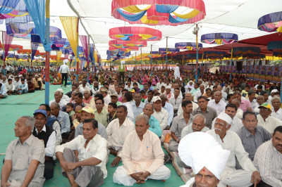 Thousands of disciples and local residents gather for the festival