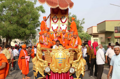 Divine Murtis on a chariot
