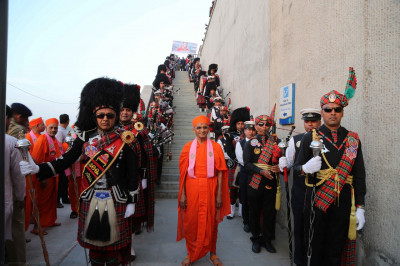 His Divine Holiness Acharya Swamishree blesses members of all three bands