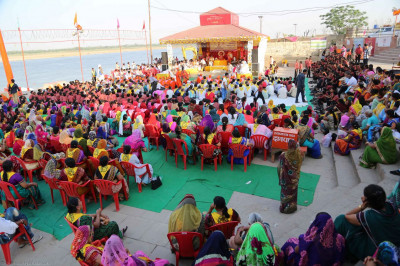 The special sabha on the banks of River Jamuna