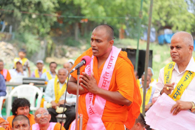 Santshiromani Shree Dahrmavatsaldasji Swamishree speaks about the yatra