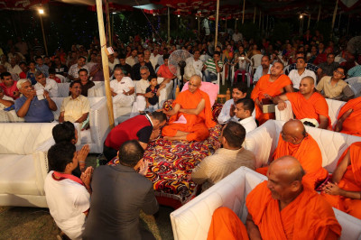 His Divine Holiness Acharya Swamishree blesses all disciples who took part in the religious devotional drama production