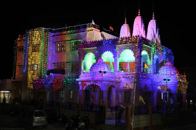 Viramgam Mandir lit up in the early hours