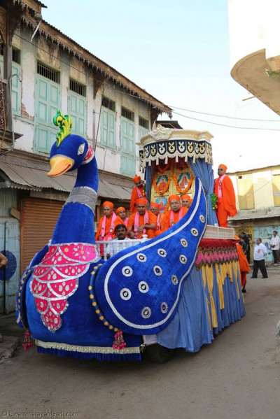 One of the chariots during the procession