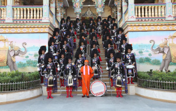 New Uniform of Shree Muktajeevan Swamibapa Pipe Band Maninagar