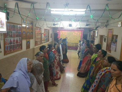 Abji Bapashree Jayanti dhoon in the ladies mandir