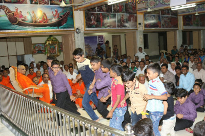 Young disciples dance to please Lord Shree Swaminarayanbapa Swamibapa