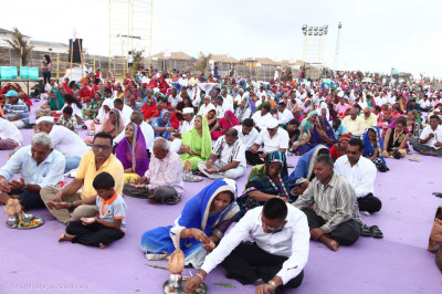 Hundreds of disciples took part in the mahapooja