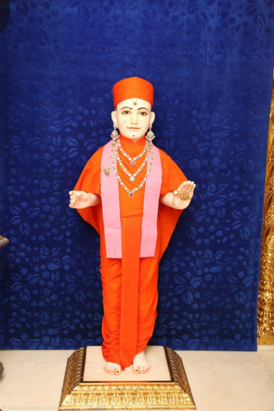 Divine darshan of Lord Shree Swaminarayan during Mangla aarti