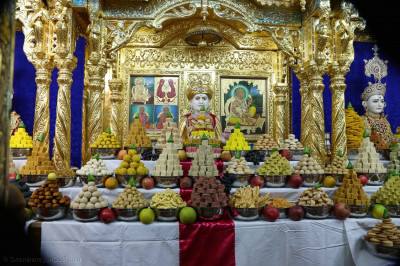 Annakut darshan at Maninagar Mandir