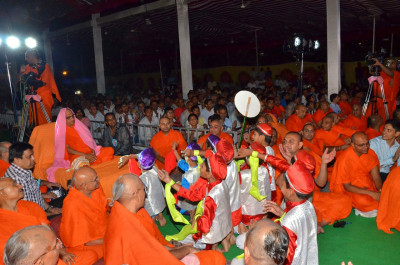 Young disciples perform to please Lord Shree Swaminarayan