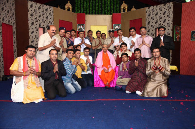 His Divine Holiness Acharya Swamishree blesses disciples who took part in the religious drama production