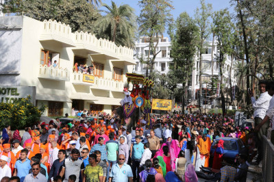 The grand procession fills the residential streets of Mount Abu