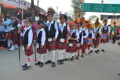 Cadets of Shree Muktajeevan Swamibapa Pipe Band march throughout the procession