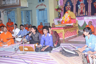 Bhakti Sangeet on the evening of 20th October in Wagjipur