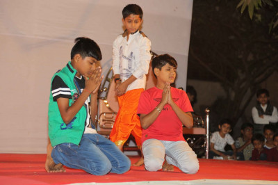 Young disciples in performance