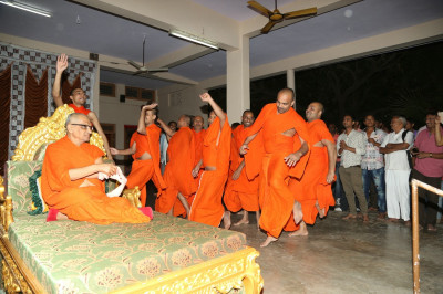 Sants and disciples dance to devotional songs