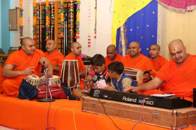 Sants and disciples perform kirtans during Bhakti Sangeet evening in Viramgam