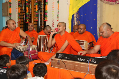 Some of the sants also sung kirtans