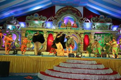Disciples perform various dances depicting aspects of worldwide culture inthe form of devotion to please Lord Shree Swaminarayanbapa Swamibapa