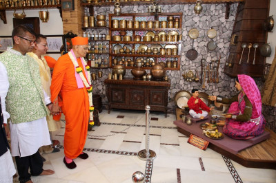 His Divine Holiness Acharya Swamishree visits each of the charming exhibits and scenes