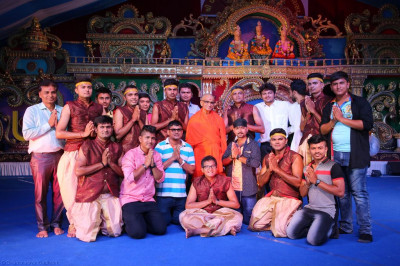 His Divine Holiness Acharya Swamishree blesses disciples who performed the devotional drama