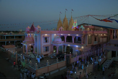Shree Swaminarayan Mandir Bharasar just before sunrise