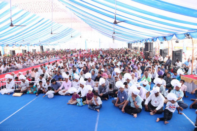 Thousands of disciples gather to enjoy celebrations
