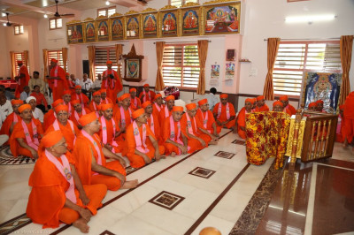Sants and disciples gather at Shree Swaminarayan Mandir Bharasar (Ladies)
