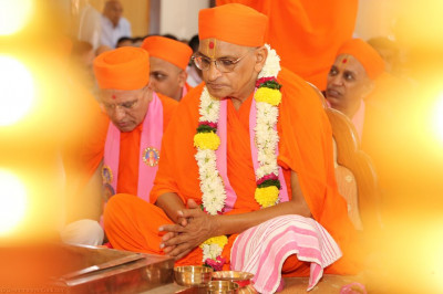 Divine darshan of Acharya Swamishree