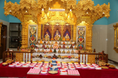 Lord Shree Swaminarayanbapa Swamibapa dining on the magnificent annakut