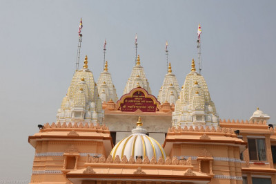 The magnificent newly transformed Shree Swaminarayan Mandir Delhi