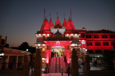 The majestic view of Shree Swaminarayan Mandir Delhi