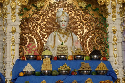 Lord Shree Swaminarayan dine on the magnificent annakut