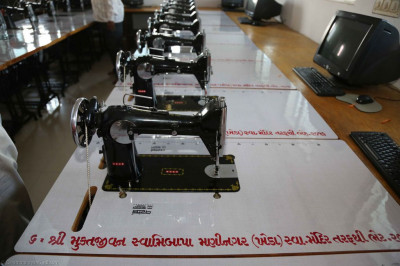 The sewing machines donated by Shree Muktajeevan Swamibapa Maninagar (Kheda)