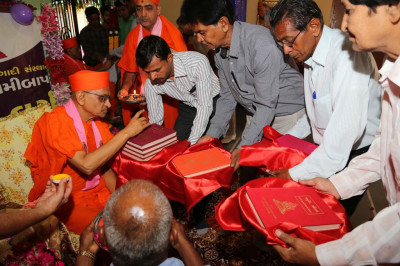 Acharya Swamishree blesses various publications