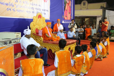 Young disciples perform a devotional dance to please Lord Shree Swaminarayanbapa Swamibapa