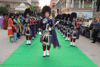 Shree Muktajeevan Swamibapa Pipe Band leads the procession in Maninagar compound