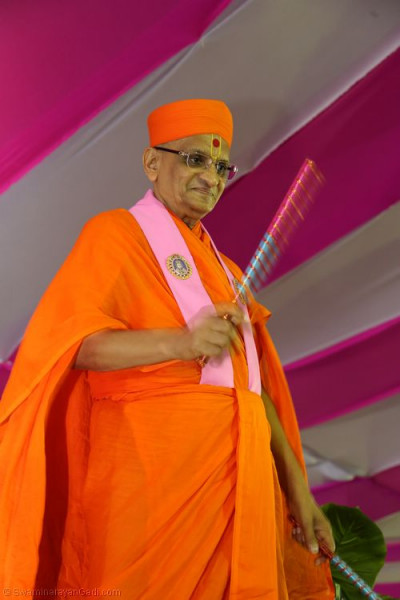 His Divine Holiness Acharya Swamishree dances to devotional songs