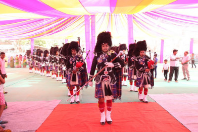 Shree Muktajeevan Swamibapa Pipe Band India lead the procession