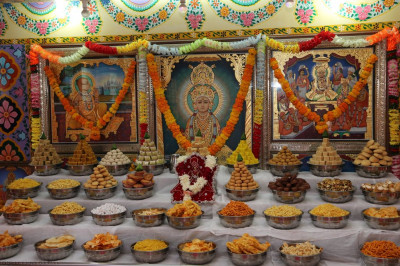 Divine darshan of the sweet and savoury items offered to the Lord in the form of annakut