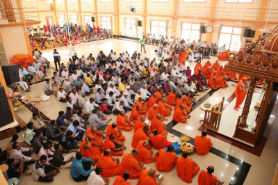 Hundreds of disciples gather inside Shree Swaminarayan Mandir Naranpar to take part in the celebrations