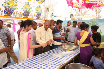 Disciples serve delicious sugar cane juice
