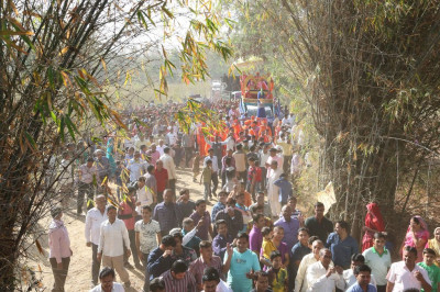 Thousands of disciples take part in the procession