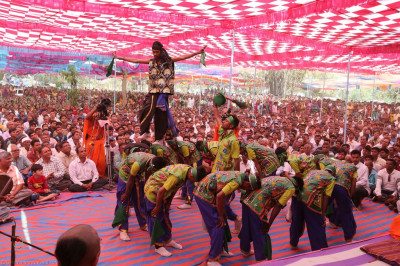 Disciples perform an acrobatic dance to please the Lord