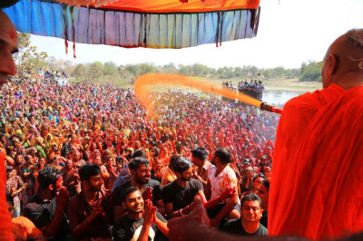 Thousands of disciples enjoy the celebrations
