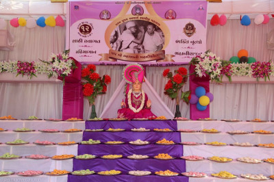 Divine darshan of Lord Shree Swaminarayan with some of the hundreds of sweet and savoury plates offered by disciples