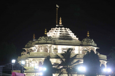 Divine darshan of the exterior of Shree Muktajeevan Swamibapa Smruti Mandir. The Sadbhav Amrut Parva celebrations took place on the grounds adjacent to the Mandir